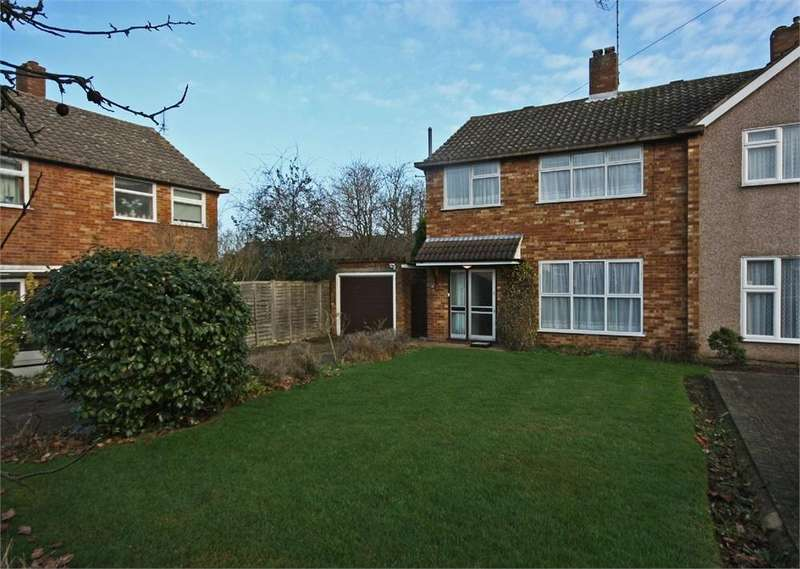 3 Bedrooms Semi Detached House for sale in Hutton, BRENTWOOD, Essex