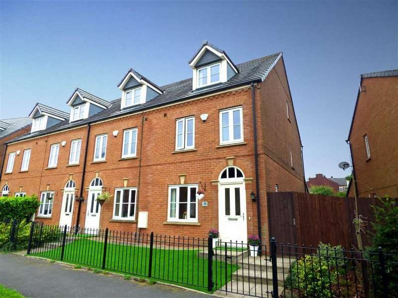 3 Bedrooms Town House for sale in Rosebay Close, Royton, Oldham, OL2