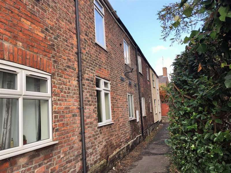 2 Bedrooms Terraced House for sale in Albion Terrace, Boston