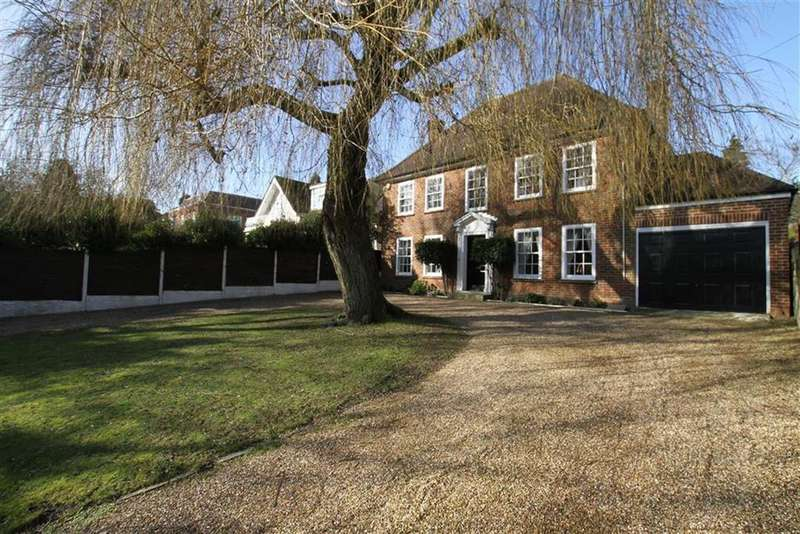 5 Bedrooms Detached House for sale in Barnet Road, Arkley, Herts, EN5