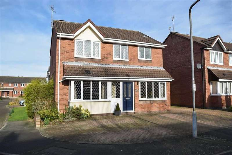 4 Bedrooms Detached House for sale in Coppice Drive