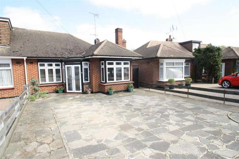 2 Bedrooms Semi Detached Bungalow for sale in Flemming Crescent, Leigh-On-Sea