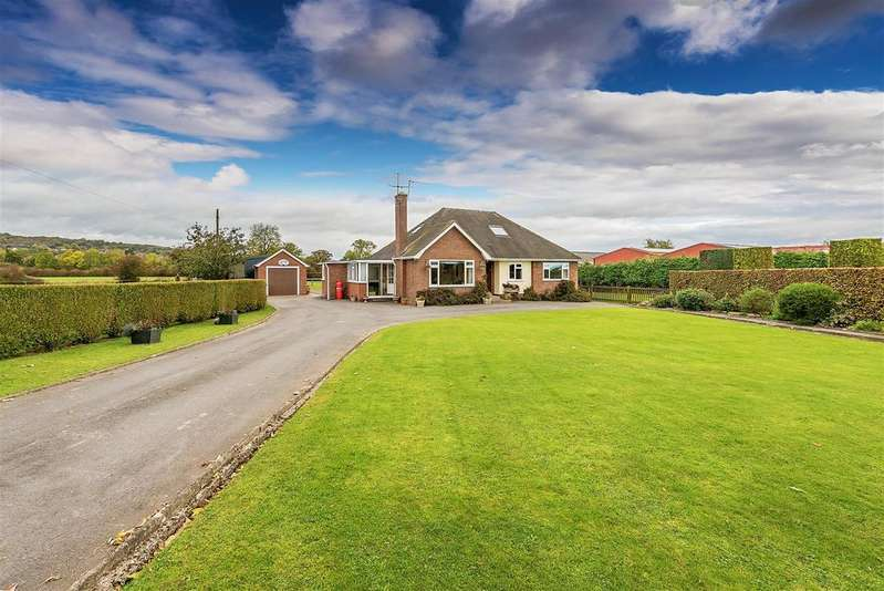 4 Bedrooms Detached House for sale in Llanymynech