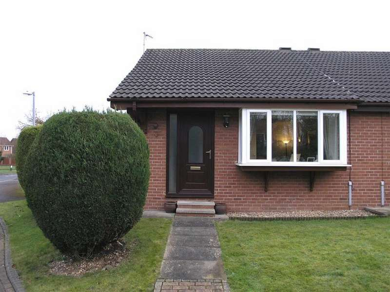 2 Bedrooms Semi Detached Bungalow for sale in Cavendish Drive, Beverley, East Yorkshire