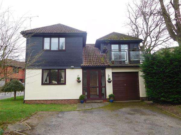 4 Bedrooms Detached House for sale in Critchards, Woodbury