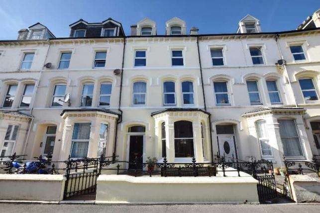 5 Bedrooms House for sale in Demesne Road, Douglas, IM1 3DY
