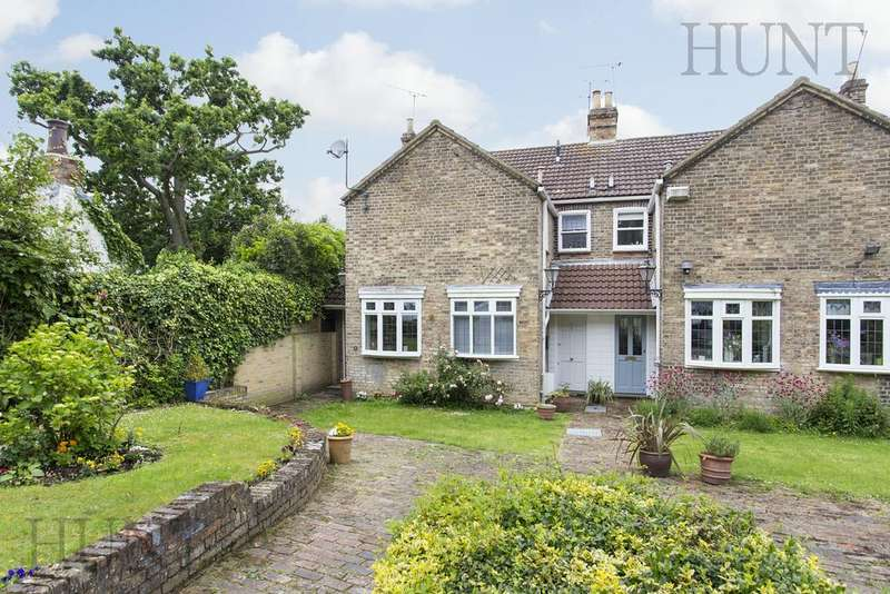 2 Bedrooms Cottage House for rent in High Road, Chigwell, Essex IG7
