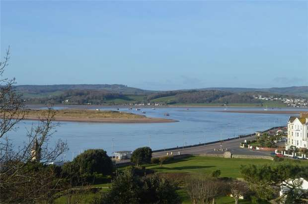 2 Bedrooms Flat for sale in 13 The Beacon, EXMOUTH, Devon