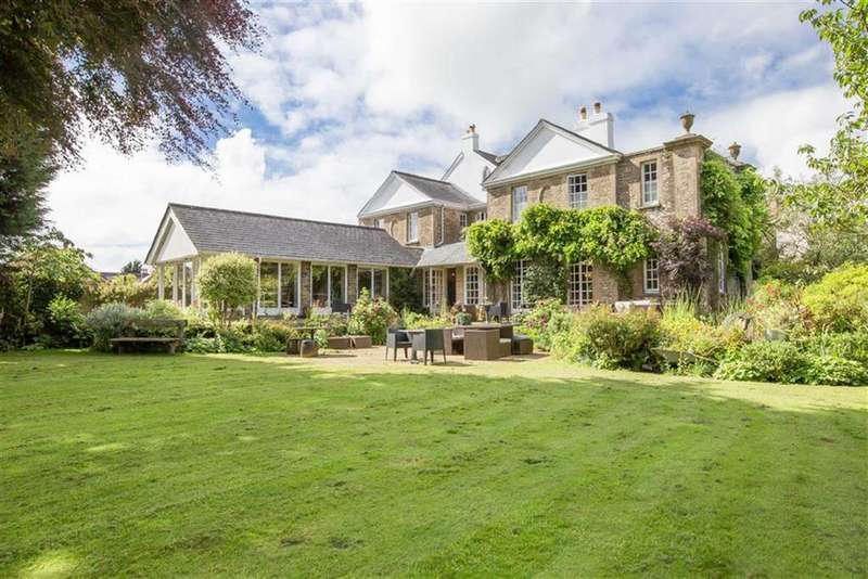 6 Bedrooms Detached House for sale in Chillington, Kingsbridge, Devon, TQ7