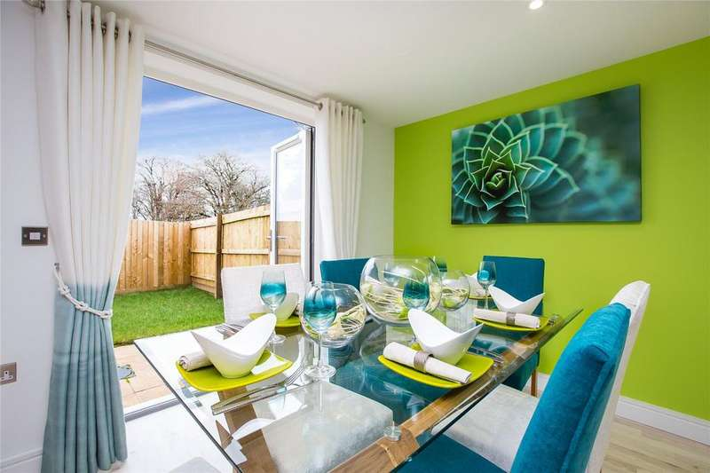 4 Bedrooms Detached House for sale in Follaton Oak, Plymouth Road, Totnes, TQ9