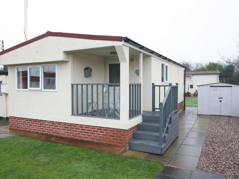 2 Bedrooms Park Home Mobile Home for sale in 2 Love Lane park Homes, Love Lane, Rugeley, WS15 2HL