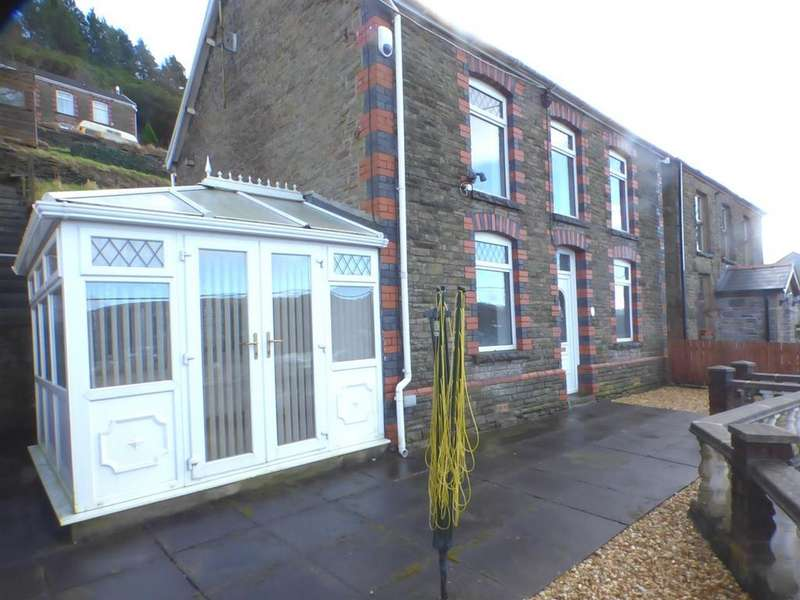 3 Bedrooms Detached House for sale in Dyffryn Road, Pontardawe, Swansea