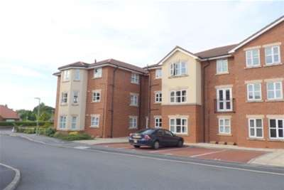 2 Bedrooms Flat for rent in Ladybower Close, Upton