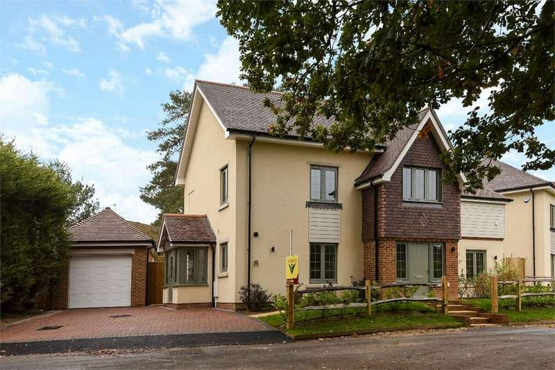 5 Bedrooms Detached House for sale in Bisley