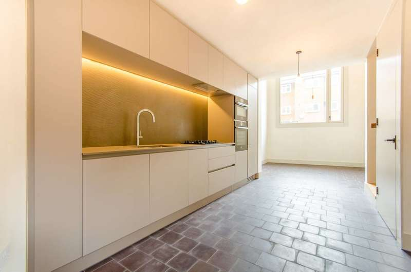 4 Bedrooms Flat for rent in Shepherdess Walk, Islington, N1