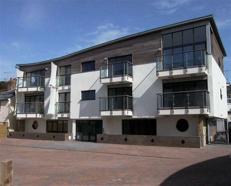 2 Bedrooms Apartment Flat for sale in Castle Road, Sandgate, Kent, CT20