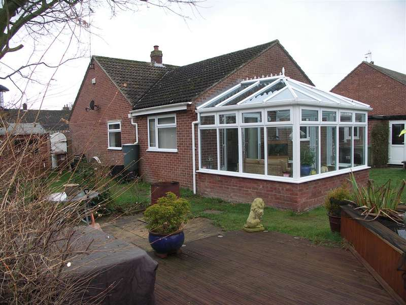 3 Bedrooms Bungalow for sale in Ludham, Great Yarmouth, Norfolk, NR29