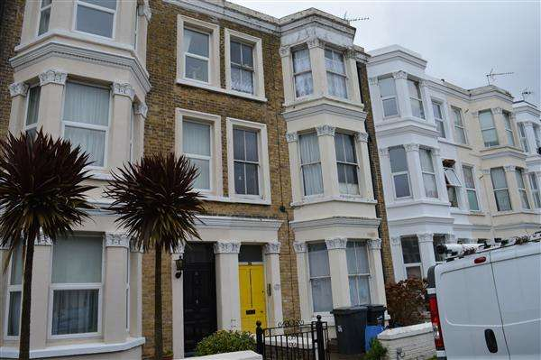 2 Bedrooms Apartment Flat for sale in Gordon Road, Cliftonville, Margate