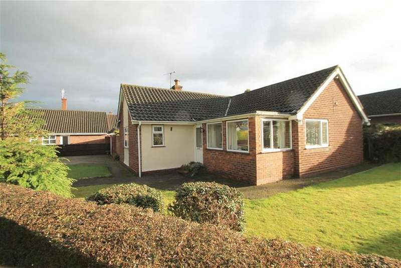 3 Bedrooms Detached Bungalow for sale in Warrenwood Road, Borras, Wrexham