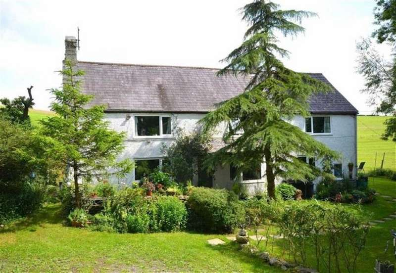 3 Bedrooms Detached House for sale in Gwyddelwern, Corwen