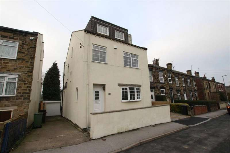 4 Bedrooms Detached House for sale in Finkle Lane, GILDERSOME, West Yorkshire