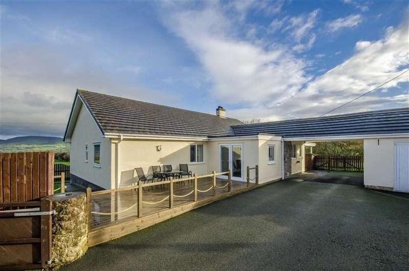 3 Bedrooms Detached Bungalow for sale in Llanrhaeadr, Denbigh