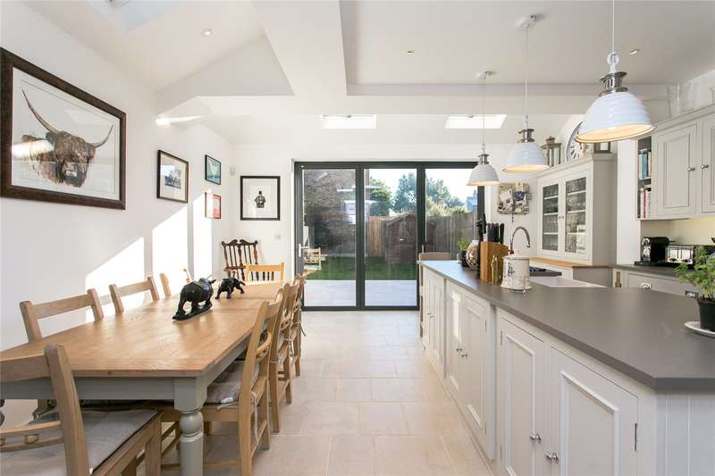 4 Bedrooms Terraced House for sale in Franciscan Road, London, SW17