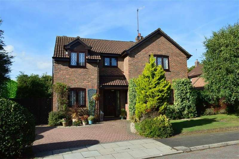4 Bedrooms Detached House for sale in Hillside View, Oxton, CH43
