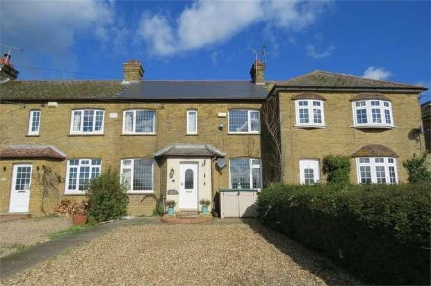 3 Bedrooms Cottage House for sale in Gordon Cottages, Primrose Lane, Bredgar, Sittingbourne, Kent