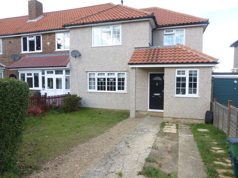 4 Bedrooms Semi Detached House for sale in Wolsey Crescent, New Addington, Croydon, CR0 0PF