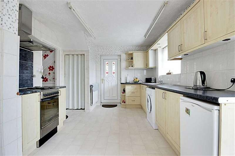 3 Bedrooms Semi Detached House for sale in Jesmond Gardens, South Shields, Tyne And Wear
