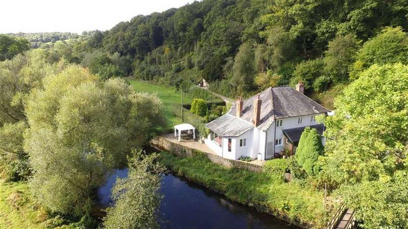 4 Bedrooms Detached House for sale in Chittlehamholt, Devon, EX37