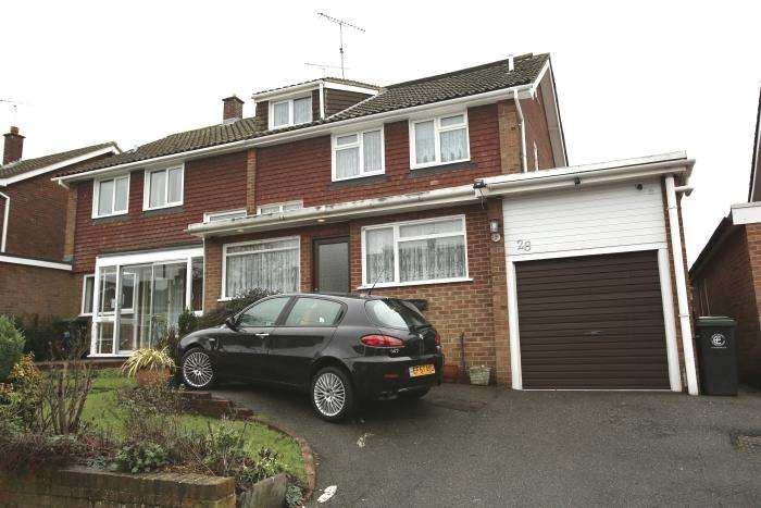 5 Bedrooms Semi Detached House for sale in LONGFIELDS, MARDEN ASH, ONGAR CM5