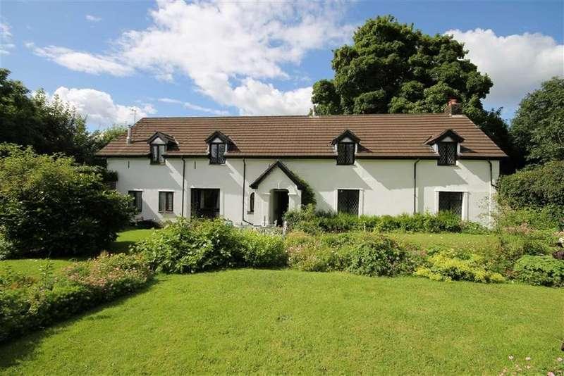 4 Bedrooms Detached House for sale in Gelli-haf, Pontllanfraith, Blackwood, NP12