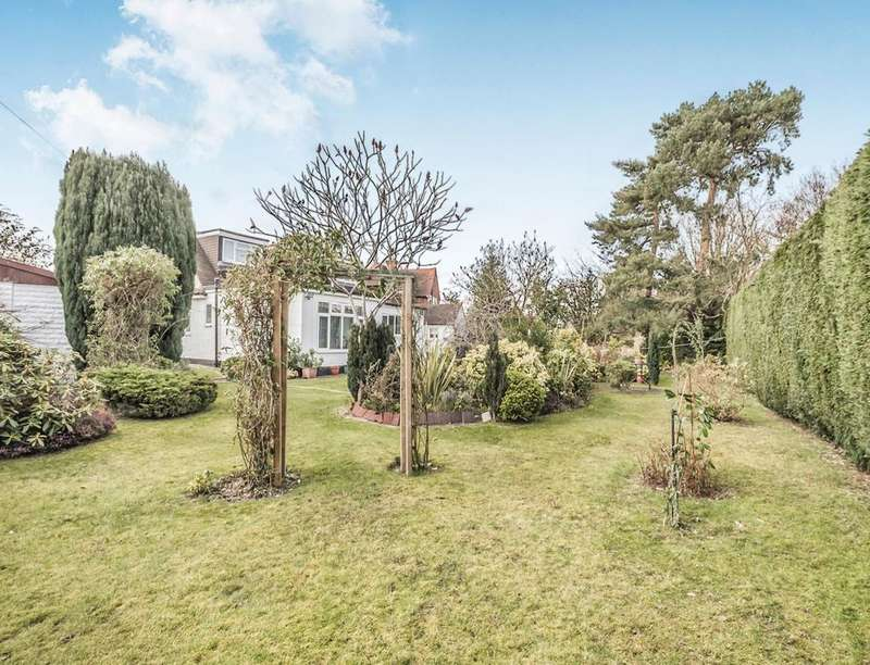 3 Bedrooms Detached House for sale in The Rise, Park Street, St. Albans, AL2