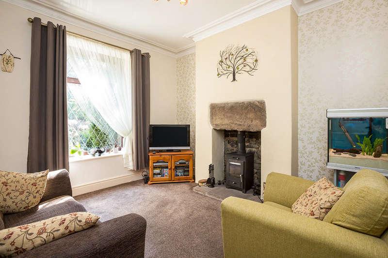 4 Bedrooms Property for sale in Kelvin Street, Darwen, BB3