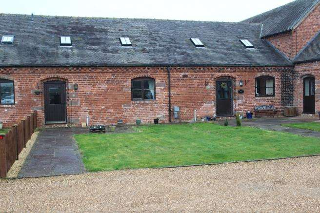 3 Bedrooms Barn Conversion Character Property for sale in 6 Shelmore Barns, Radmore Lane, Gnosall, Stafford, Staffordshire, ST20 0EG