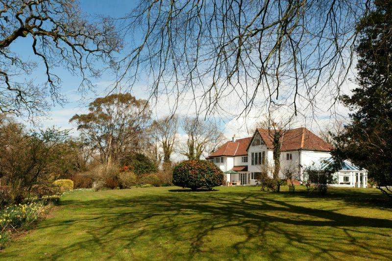 7 Bedrooms Detached House for sale in STRAIGHTWAY HEAD, WHIMPLE
