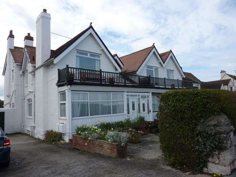 2 Bedrooms Flat for sale in Marine Drive, Rhos on Sea, Conwy, LL28 4HY