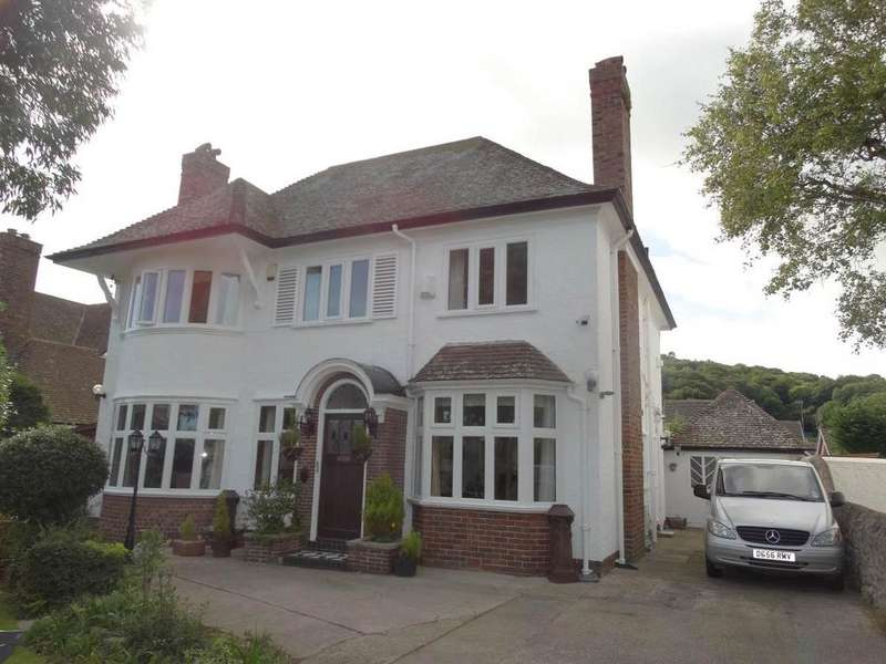 4 Bedrooms Detached House for sale in 71 Brompton Avenue, Rhos on Sea, LL28 4TP