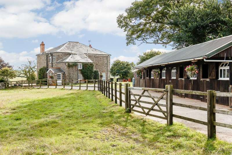 4 Bedrooms Detached House for sale in Nr. Crediton, Devon