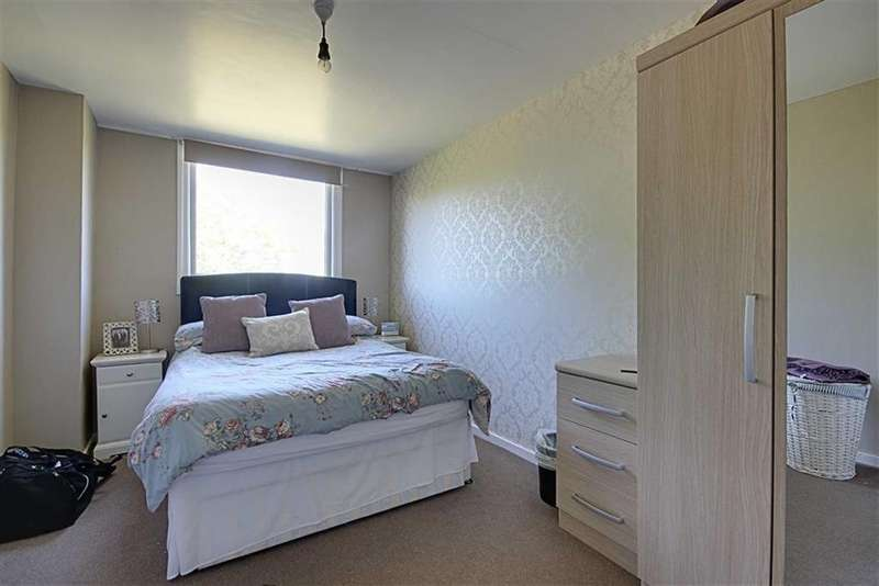 3 Bedrooms Semi Detached House for sale in Temple Park Road, South Shields, Tyne Wear