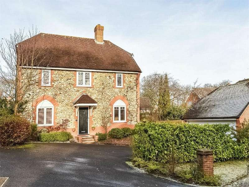 4 Bedrooms Detached House for sale in Bagshot, Surrey