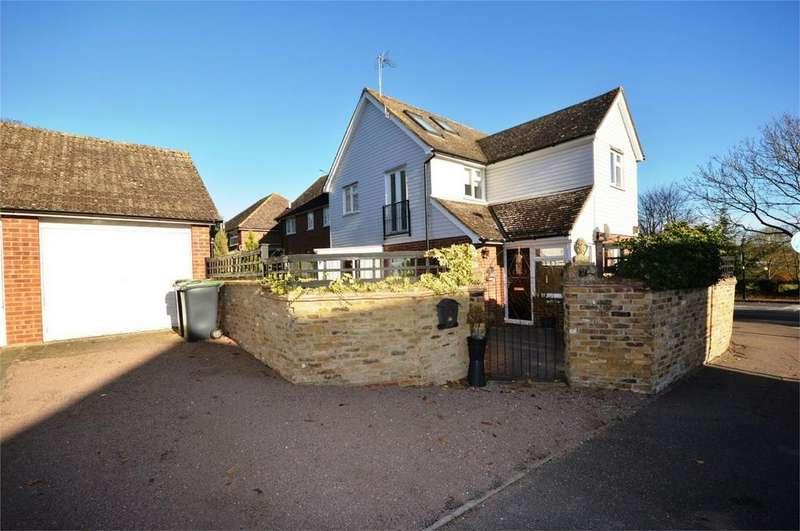 4 Bedrooms Semi Detached House for sale in Godfrey Way, Great Dunmow