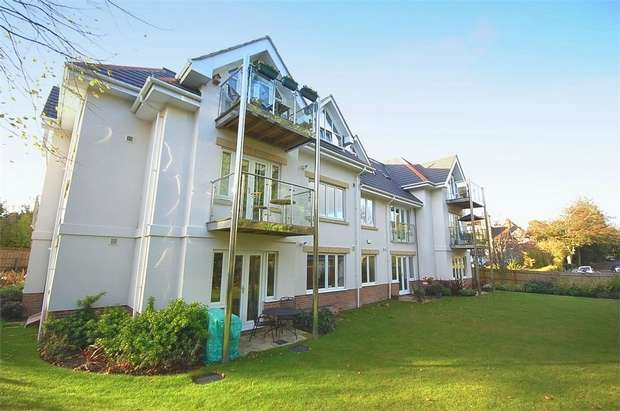 2 Bedrooms Flat for sale in Queens Park South Drive, Queens Park, Bournemouth