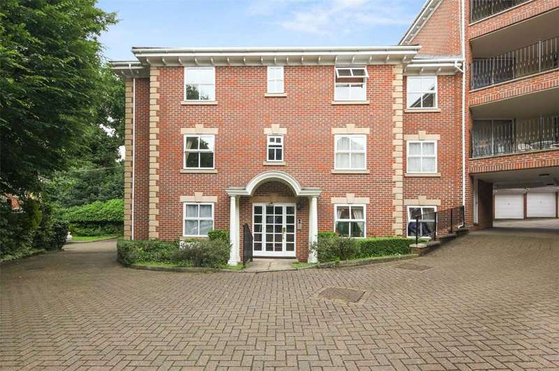 1 Bedroom Flat for sale in The Ridings, Malcolm Way, London, E11