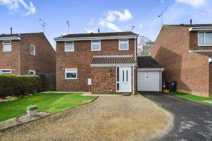 3 Bedrooms Detached House for sale in Silchester Way, Westlea, Swindon, Wiltshire