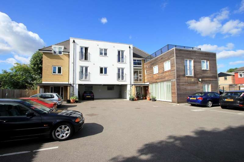 2 Bedrooms Flat for sale in Alpha Road, Surbiton
