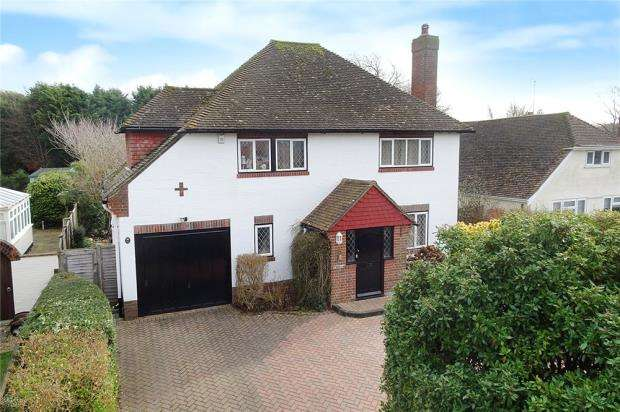 4 Bedrooms Detached House for sale in Pigeonhouse Lane, Rustington, West Sussex, BN16