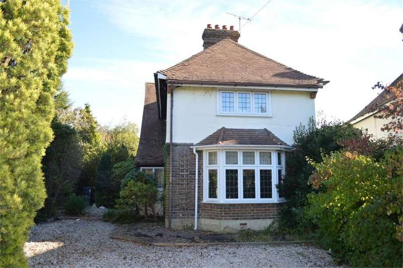 3 Bedrooms Detached House for sale in Barnhorn Road, Little Common, Bexhill on Sea